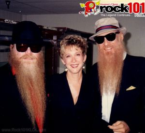 dusty-hill-dayna-steele-billy-gibbons